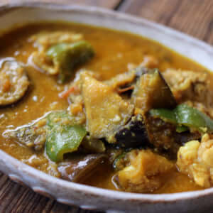 夏野菜たっぷりのやさしい味のカレー|インドカレーの作り方