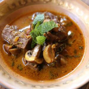 スパイスを使った、インド式きのこビーフカレー!のレシピ