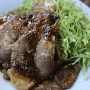 超簡単に新しい味!カレーだしで作る、カレー風味の生姜焼きのレシピ
